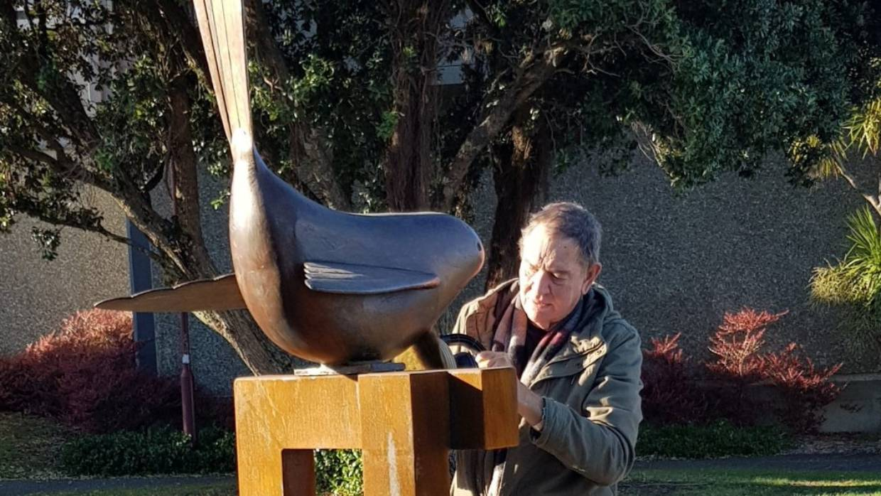 Paul Dibble Sculpture Installed at Palmerston North Intersection